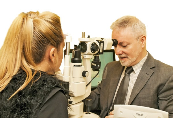 Contact-Lens-Assessment-Connolly-Opticians